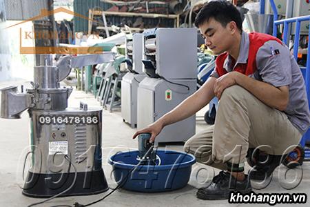 Máy xay bột mịn 3A LM2.2Kw sử dụng bơm hút nước làm lạnh cối nghiền trong khi xay bột