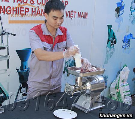Kỹ thuật viên vận hành Máy xay thịt bằng điện 3A1,3KW