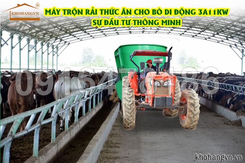 máy trộn thức ăn cho bò